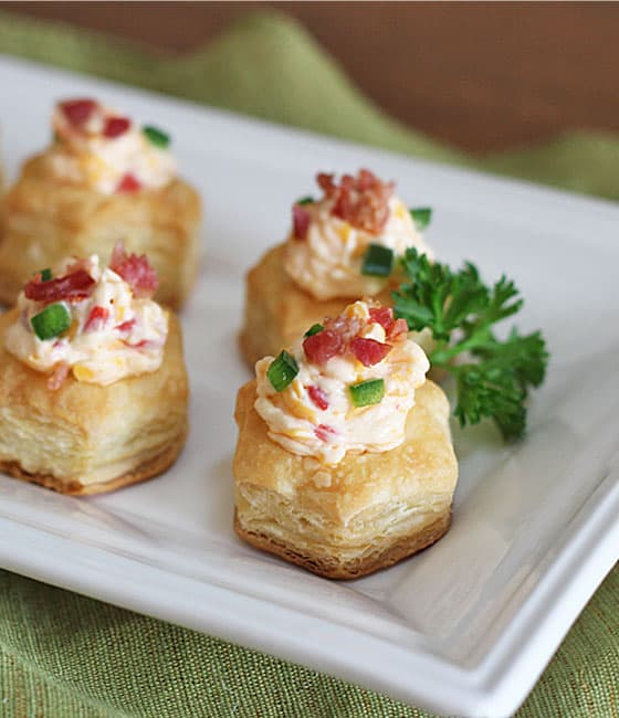 Bacon pimento cheese puff pastry cups for Canape pastry shells