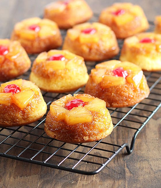 Easy Pineapple Upside Down Cake Cupcakes