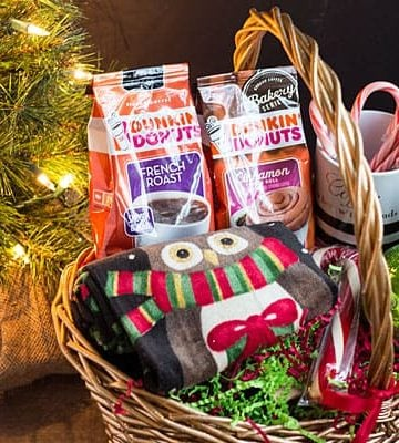 Coffee Lovers Gift Basket Ideas -- The perfect holiday gift for coffee lovers!