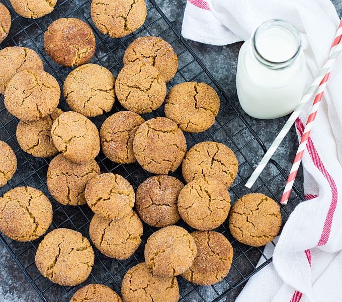 Chewy Gingersnap Cookies – The perfect holiday cookie loaded with the sweetness of molasses and spiciness of ginger, cinnamon and cloves!