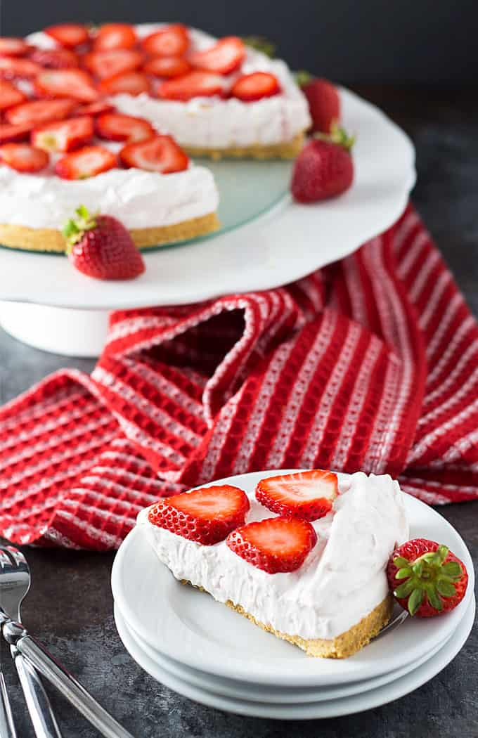 No Bake Strawberry Cheesecake | theblondcook.com