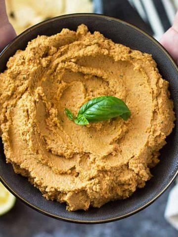 Sun-Dried Tomato Basil Hummus | theblondcook.com