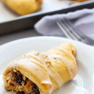 Carrot Cake Crescent Rolls - Shredded carrots in a cream cheese mixture with brown sugar, spices, pecans and raisins | theblondcook.com