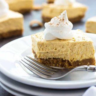 No-Bake Pumpkin Cheesecake Bars | theblondcook.com