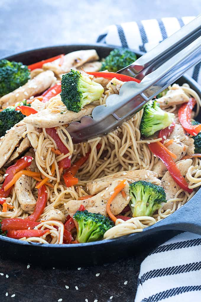 Chicken and Broccoli Lo Mein - Skip the takeout and make this flavor-packed and budget-friendly meal in less than 30 minutes!