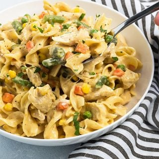 Instant Pot Cheesy Chicken, Noodles and Vegetables - An easy and hearty one pot meal in just 40 minutes total!