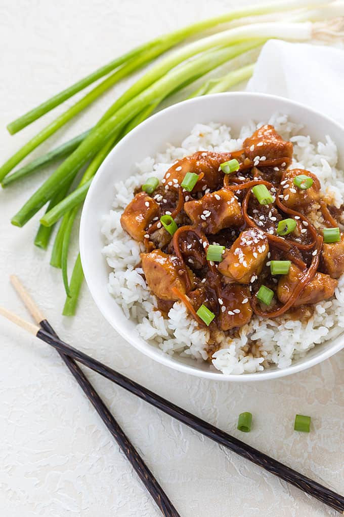 Instant Pot Mongolian Chicken - Skip the takeout and make this budget-friendly Mongolian chicken. Ready in just 35 minutes!